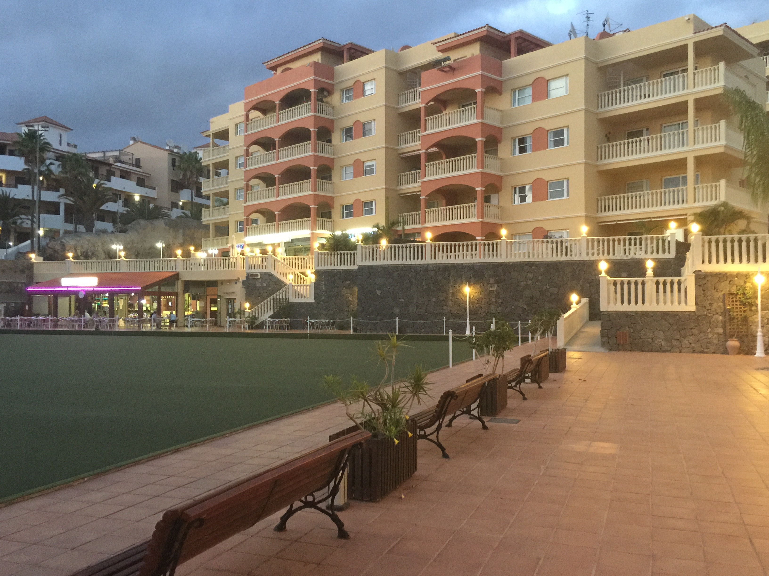 complex winter gardens golf del sur tenerife holiday apartment
